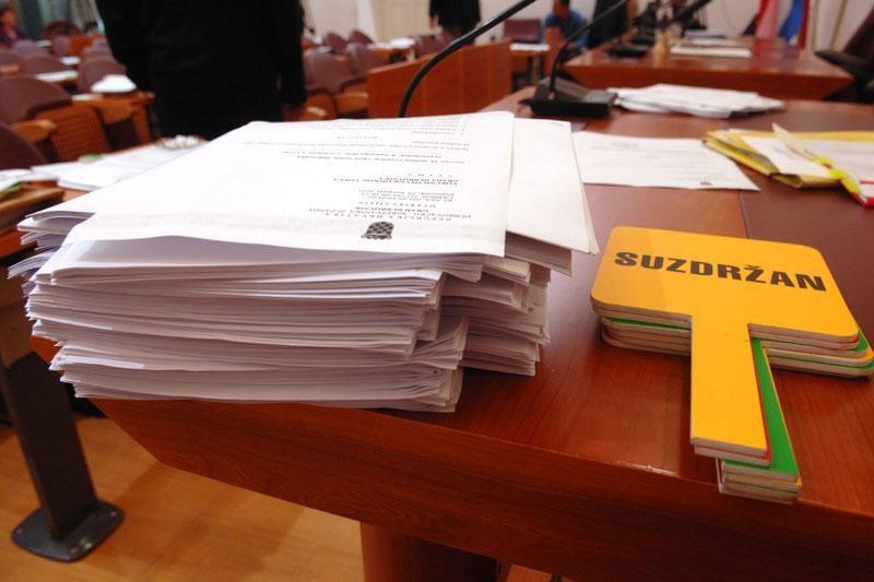 Rebalans za 2011. i proračun za 2012.
