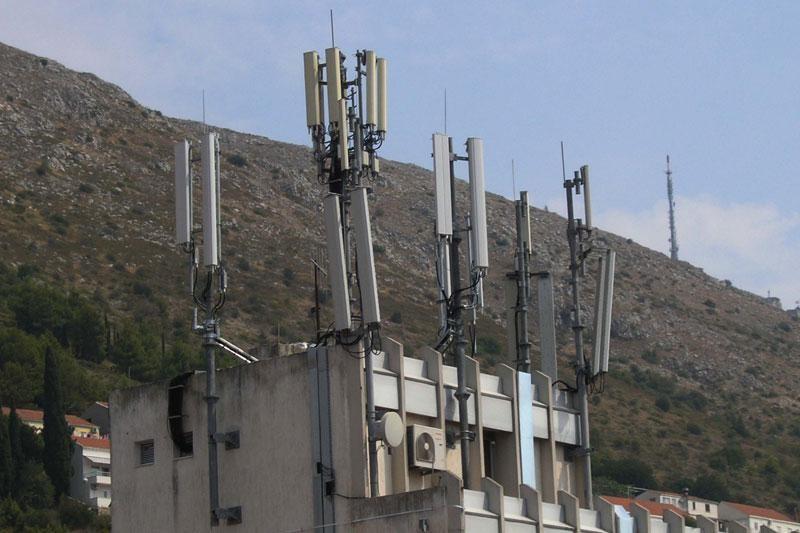 Maknite 'šumu' antena iz Šipčina!