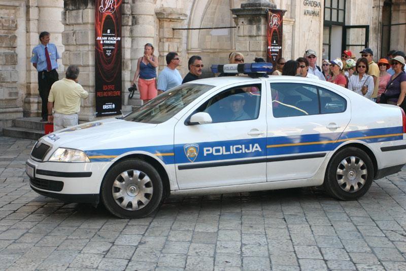 Građani upozoravaju na prekršaje Policije