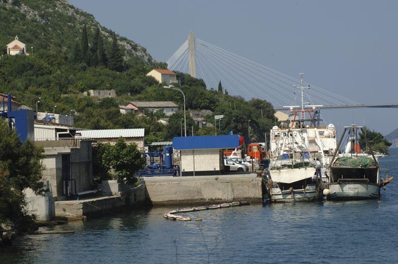 Zašto mega jahte gorivo toče u Crnoj Gori?