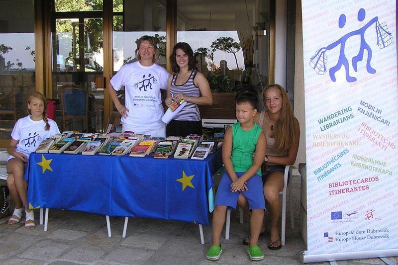 """""""Mobilni knjižničari"""" gostuju na Korčuli"""