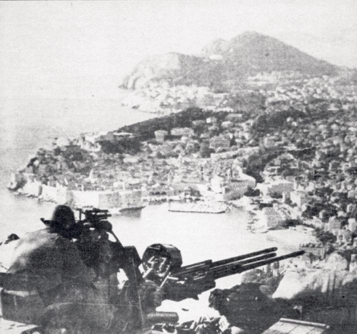 Odustali od progona pilota za bombardiranje Grada