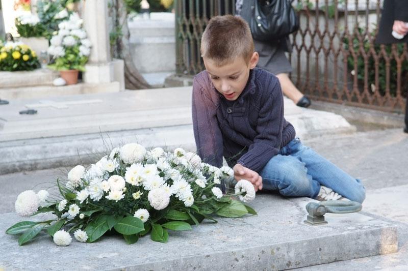 Cvijeće, svijeće i molitva za najmilije