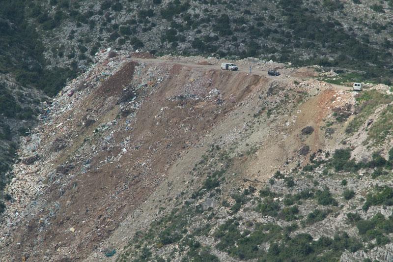 Tko može stati u kraj ilegalnom deponiju?