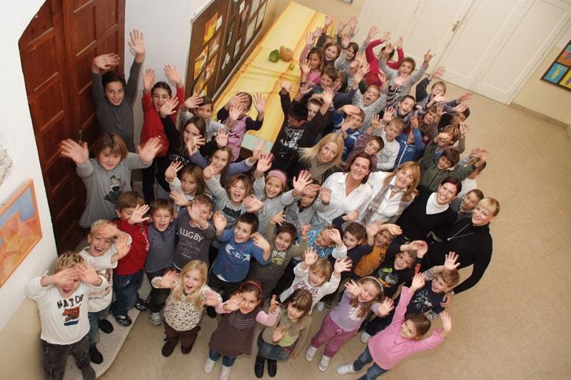 Mala škola – velika sretna obitelj