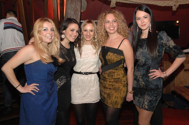 FOTO: Alumni party