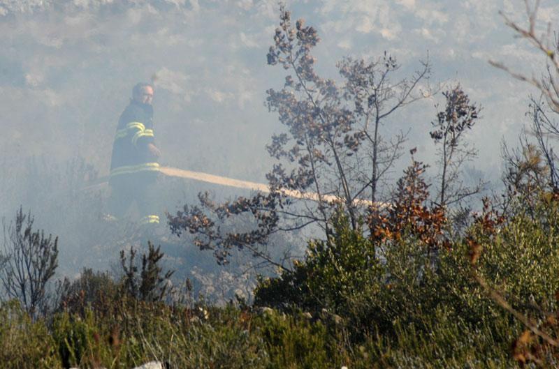 Policija poziva na oprez kod spaljivanja korova