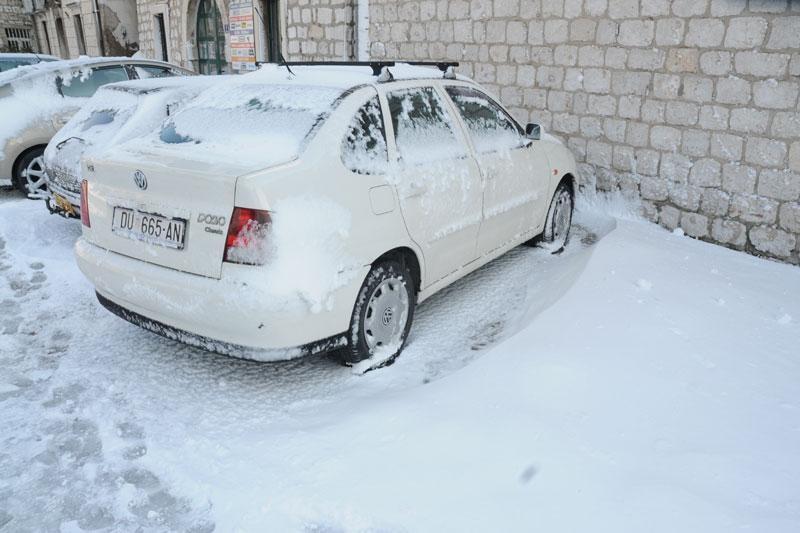 U Metkoviću novih 15 cm snijega