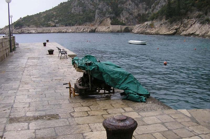 Obnovljen obalni zid u Trstenom