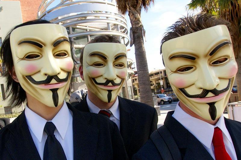 Protiv ACTA-e s mobitelom i fotoaparatom