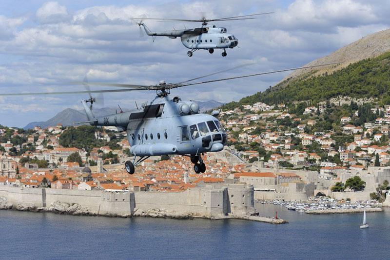 Vojnim helikopterom prevezena 3 pacijenta