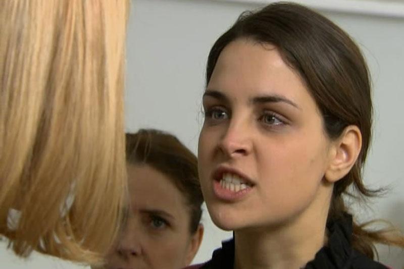 Lara bjesna na Nelu opalila joj šamar