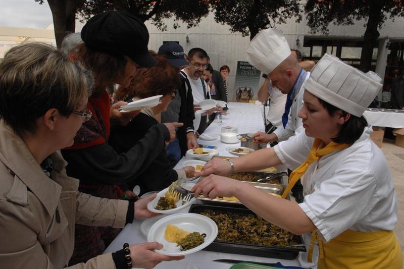 Mediteranski stol zdrave hrane i pića