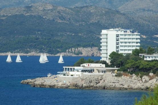 DRUGA STRANA MEDALJE 'Zar postoji termin dijela plaže za goste i za domaće?'