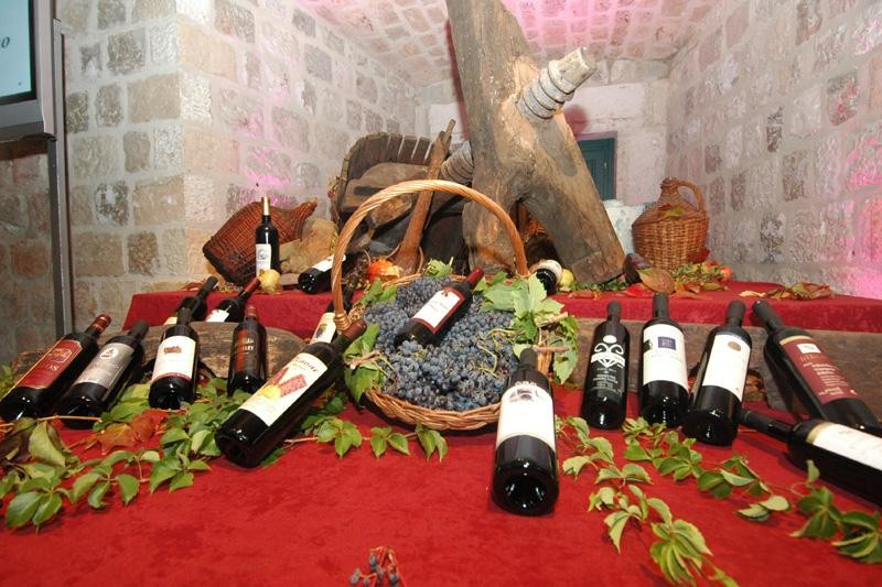 Večer konavoskih vina i folklora