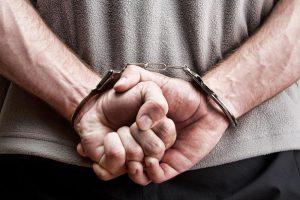 Crnogorci htjeli prevariti trgovca pa mu ukrali prsten