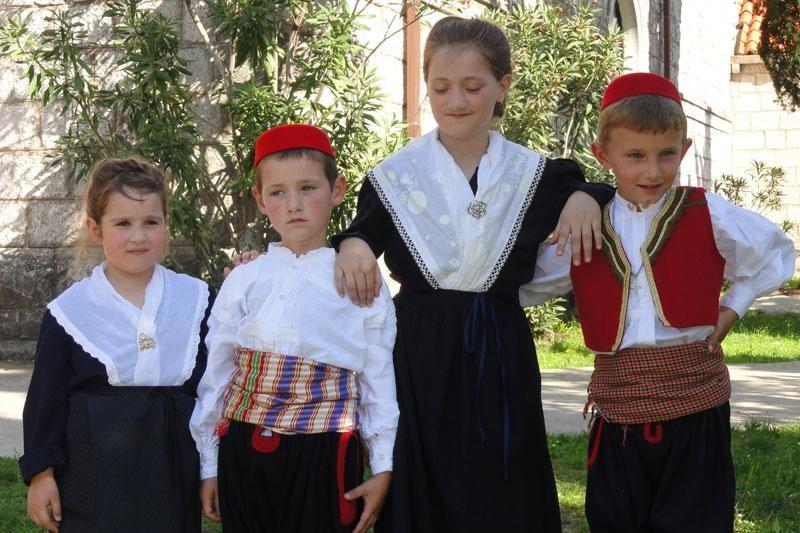 Dođite svi na festival dječjeg folklora