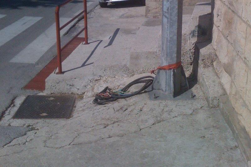 """""""Uklonite električne kabele iz Hebrangove!"""""""