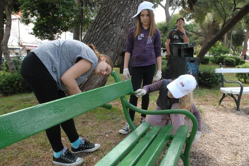 Pituravaju se klupe u Gruškom parku