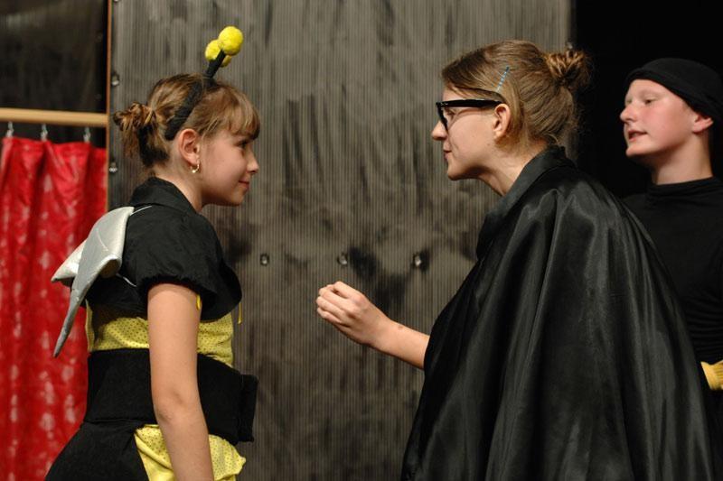 """Mali glumci izveli """"Pčelicu Maju"""""""