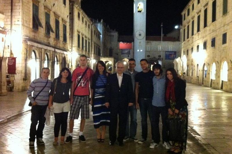 Predsjednik Josipović u šetnji Stradunom