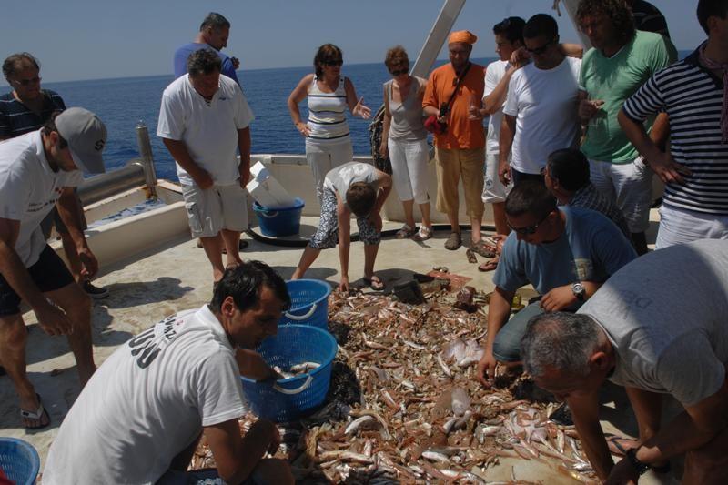 FOTO: Orkom do Mljeta uz ribu, vino, stare boljke…