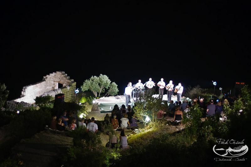 Subrenum i vinske kapljice na Orsuli