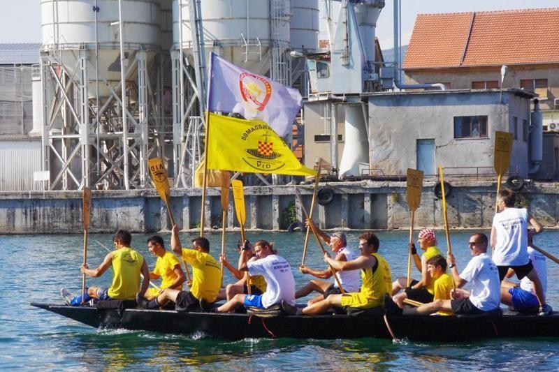 Metkovski lađari stižu u Porat oko 20 sati