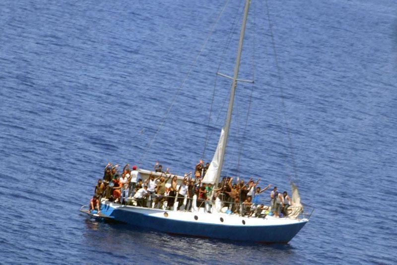 Obalna straža spašava 65 imigranata