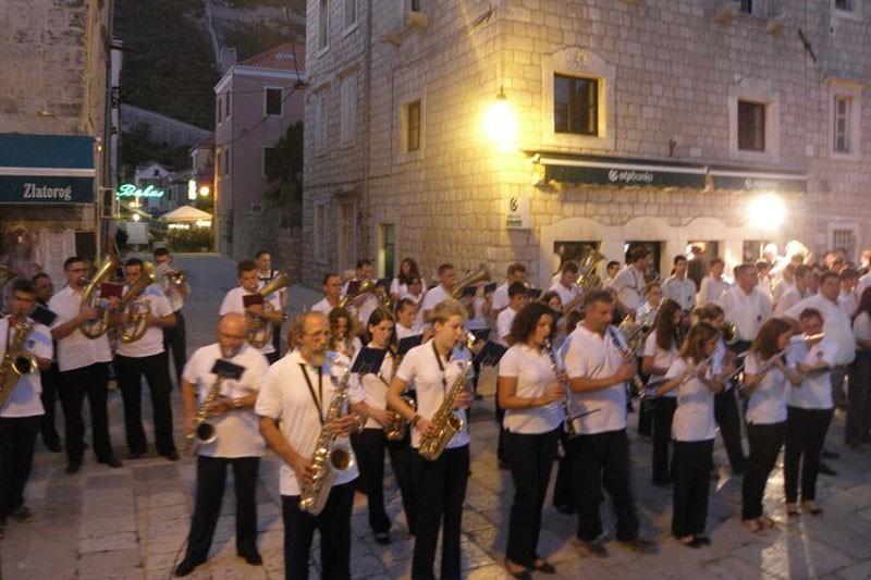 U Stonu festival puhačkih orkestara