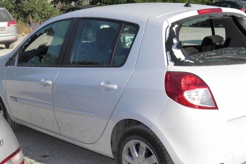 FOTO Demolirano vozilo crnogorskih registracija