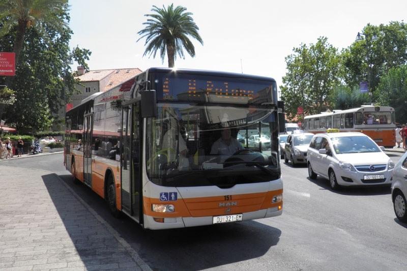 KALAMOTEZI NEZADOVOLJNI 'Subvencioniramo prijevoz drugih, a plaćamo vlastiti!'
