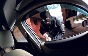 UHIĆEN U OŠLJEM Albanski ilegalac iz otvorene garaže na Pobrežju ukrao vozilo