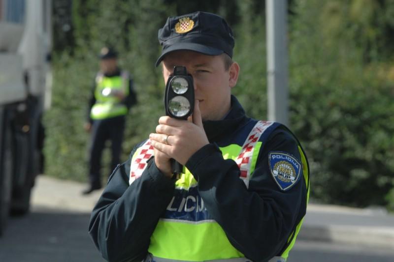 U SRIJEDU Prometna policija nadzire vozače mopeda i motocikala