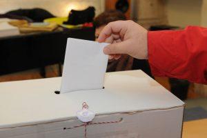 NEZAINTERESIRANI ZA IZBORE Do 11.30 sati na birališta izašlo 5 posto birača