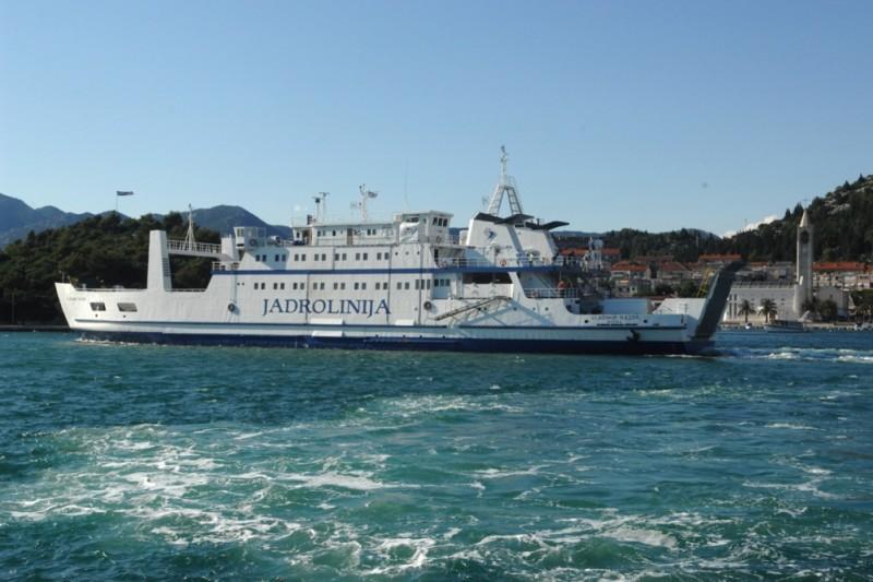 Dok je većina bila na toplome jedan pomorski kapetan prevozio je sinoć bolesnika u OB Dubrovnik