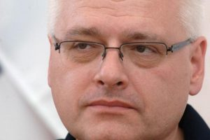 Predsjednik Josipović gubi potporu