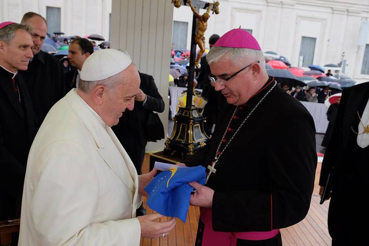 Prvi susret Pape i biskupa
