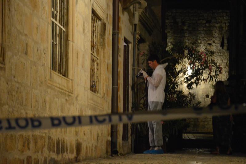 PODLEGAO OZLJEDAMA Preminuo 26-godišnjak koji je ubio majku u Karmenu