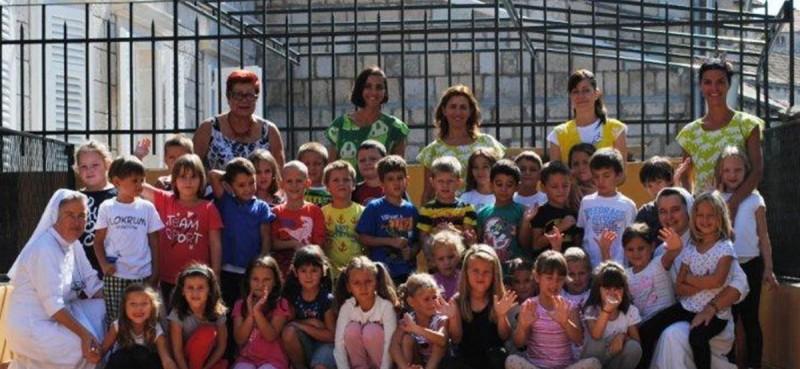 VESELJE U MARIJINOM DOMU Mališani oživjeli povijesnu jezgru Cavtata