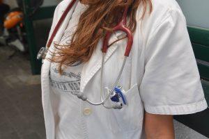 CIJEPLJENJE DJECE Imaju li pedijatri pravo na priziv savjesti?
