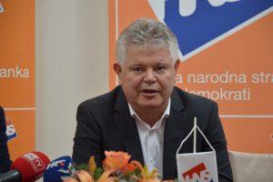 VLAHUŠIĆ O GOLFU NA SRĐU: Očekujem od svih ozbiljnih političkih opcija obranu interesa grada