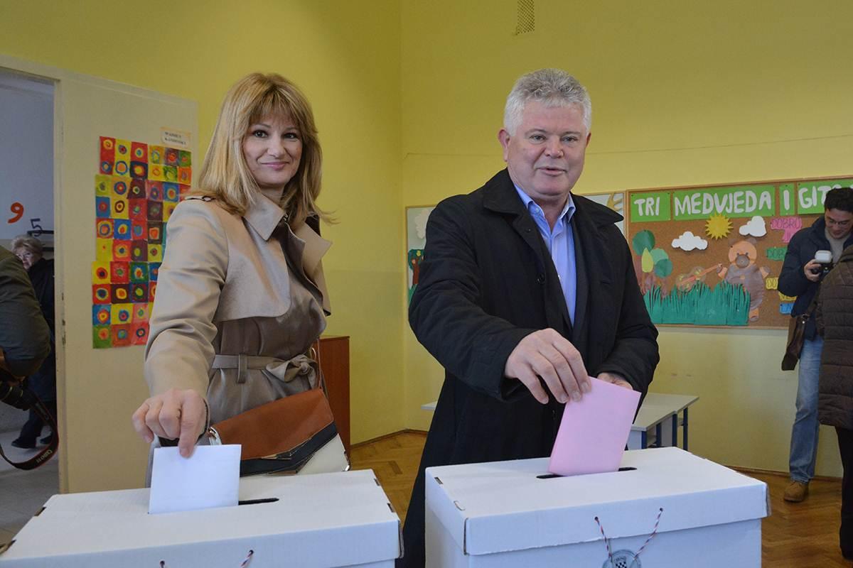 Izbori glasovanje Andro Vlahušić