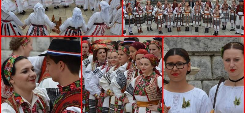 FOTO Šarenilo folklora pred Svetim Vlahom
