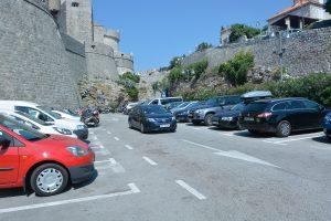 SRĐEVCI FRANKOVIĆU 'Ukinite sva povlaštena parking mjesta!'