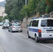 PROMETNA KOD 'CARRINGTONKE' Autom srušio dvoje pješaka