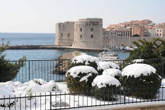 NA DANAŠNJI DAN Sniježna oluja Tara zabijelila Dubrovnik