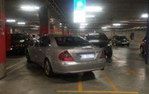 SVAKA ČAST MAJSTORE Evo kako se smjestiti preko dva (invalidska) parking mjesta