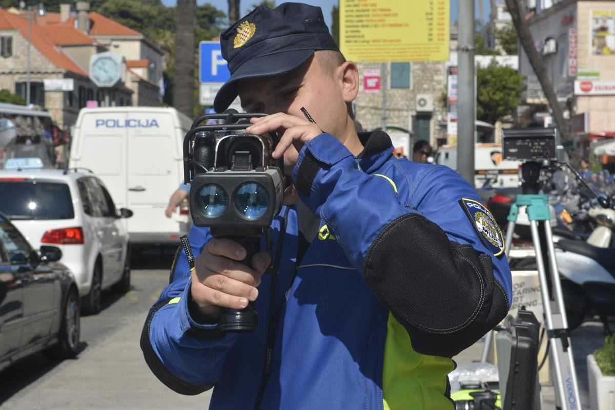 brzina mjerenje laser policija