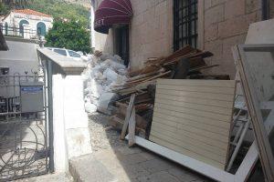 FOTO Otpadom zakrčena ulica U Pilama